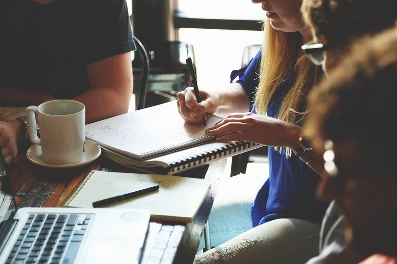 4 Razones para Emprender YA y Comenzar tu Negocio